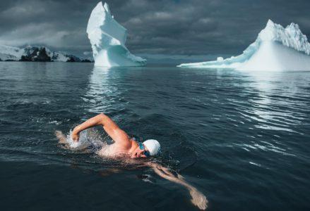 lewis-pugh-swimming-antarctica_h