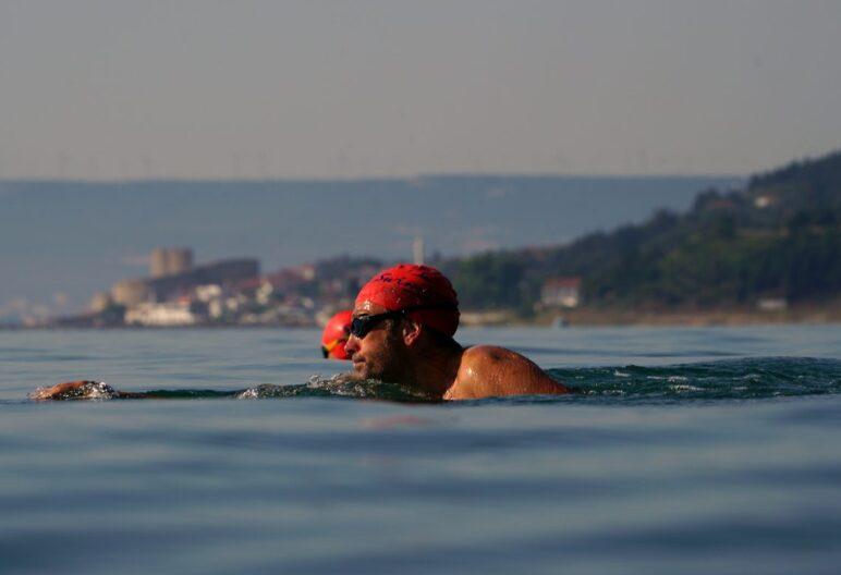 Simon_Murie_from-Swimtrek-Full-Head-Sighting-on-Hellespont-Swim_1700x935-1156x775